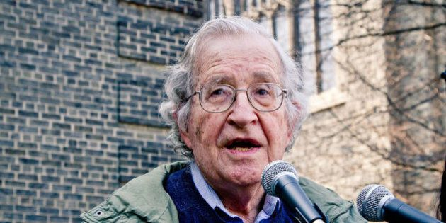 Noam Chomsky critica Donald Trump: