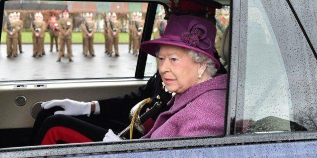 La Regina Elisabetta II ha firmato la legge per dare il via libera alla