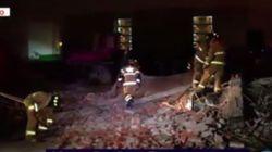 Le macerie del Messico dopo il terremoto: i vigili del fuoco al