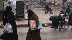 Aleppo, al via l'evacuazione: in mille lasciano la