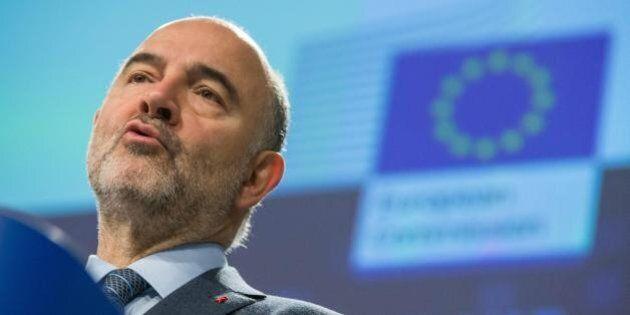 Moscovici sconfessa l'Eurogruppo sugli aiuti alla Grecia: