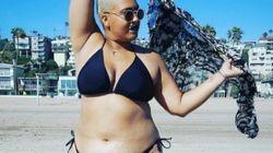 Indossa il bikini per la prima volta: