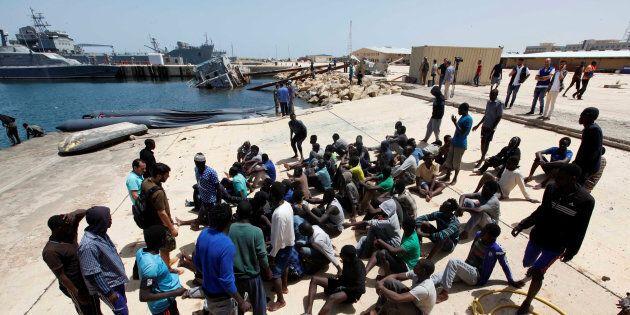 Ancora un naufragio al largo della Libia. Almeno 80 morti, deceduto anche lo