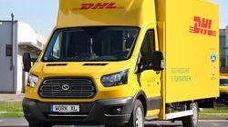 Tre furgoni con il logo Dhl sono stati rubati a Milano. Massima l'allerta per paura di nuovi attacchi