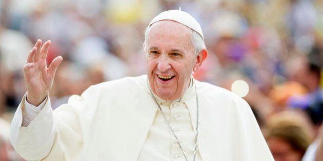 Il Papa ad Amatrice, dove lo Stato distrugge la società