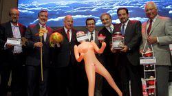 Il regalo degli imprenditori cileni al ministro dell'economia è un vero atto di