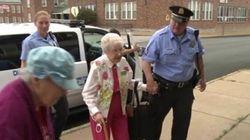 Arrestata a 102 anni: ma solo per realizzare un sogno nel
