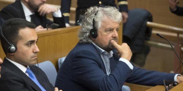 Grillo a Roma mette a tacere il dissenso:
