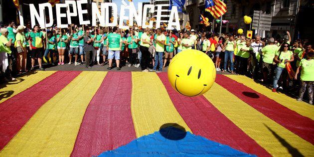 Catalogna ribelle. La procura di Madrid minaccia l'arresto per 700 sindaci