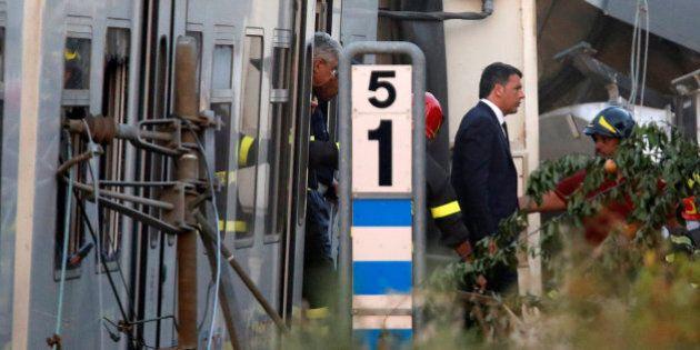 Scontro treni Puglia, Matteo Renzi vola sul luogo del