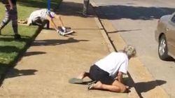 Coppia in overdose in strada, i passanti ridono e pubblicano il video in diretta su