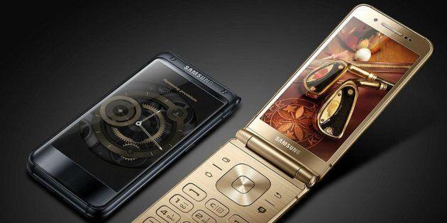 La Samsung lancia il modello analogico SM-W2017, con tastiera e