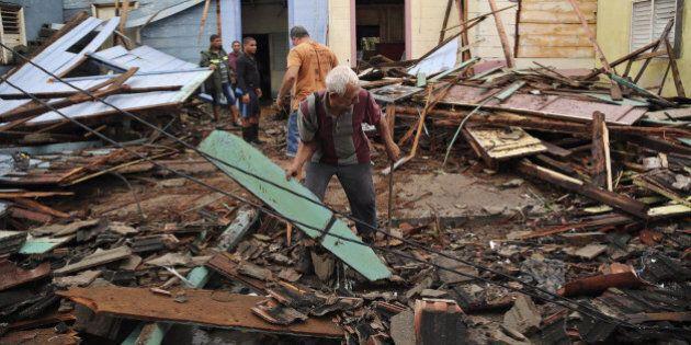 L'uragano Matthew fa 340 vittime nei Caraibi e punta verso la Florida: ordinata l'evacuazione di 1,5...