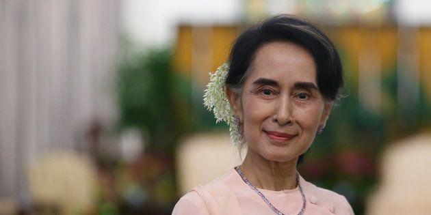 Nobel contro Aung San Suu Kyi per il genocidio dei Rohingya. Yunus all'Huffpost: