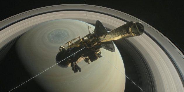 L'ultimo segnale della sonda Cassini, che dice addio con un tuffo su