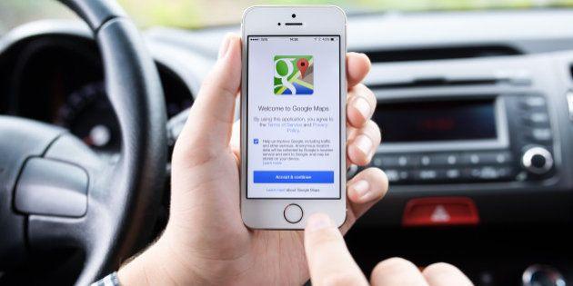 Google Maps con nuove funzionalità, ricorderà dov'è parcheggiata l'automobile e quando scade il