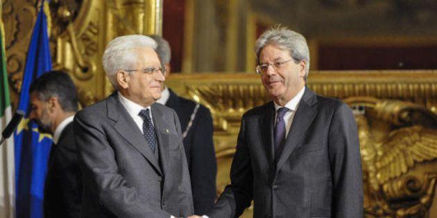 Sergio Mattarella difende il governo di Paolo