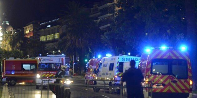 Le testimonianze dell'attentato di Nizza.