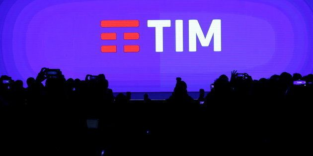 Tim-Vivendi, Calenda spinge sul golden power. La società aspetta la decisione del
