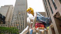 L'ultima opera di Jeff Koons a New York dà un messaggio (positivo) ad ogni