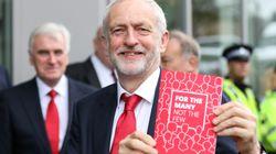 Svolta radicale di Corbyn, il nuovo Labour strizza l'occhio al populismo (ma teme la