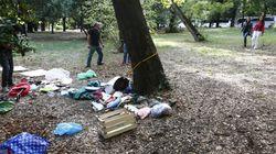 57enne tedesca violentata e legata nuda a un palo a Villa Borghese. È caccia a un