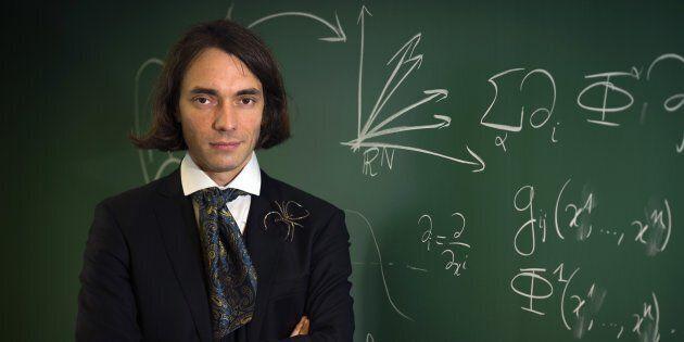 Matematico, cravatta Lavallière e origini italiane: chi è Cédric Villani, candidato di En