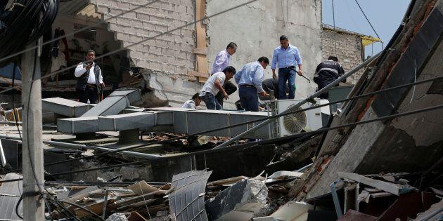 La scossa di terremoto durante il battesimo, crolla una chiesa in Messico: 11 morti, tra questi anche...