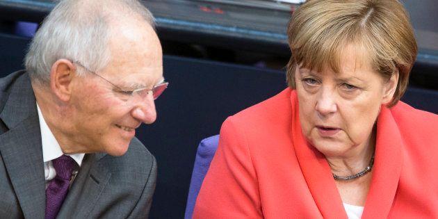 Sacrificare Wolfgang Schaeuble. I liberali chiedono la testa del ministro per sostenere il quarto governo...