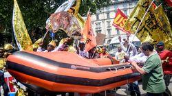 In marcia a Milano per i migranti: