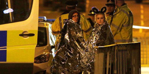 Strage delle ragazzine a Manchester, attacco terroristico al concerto di Ariana Grande: 22