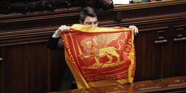 Il governo impugna la legge veneta che impone l'esposizione del Leone di San Marco negli edifici