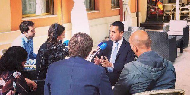 Nel primo giorno da candidato premier girandola di interviste di Di Maio con la stampa