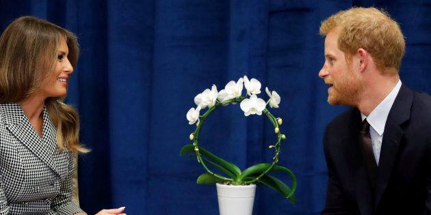 Il linguaggio del corpo del principe Harry svela quel che pensa di Melania