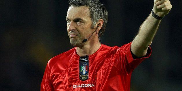 Morto l'ex arbitro Stefano Farina, aveva 54 anni. Era designatore di serie
