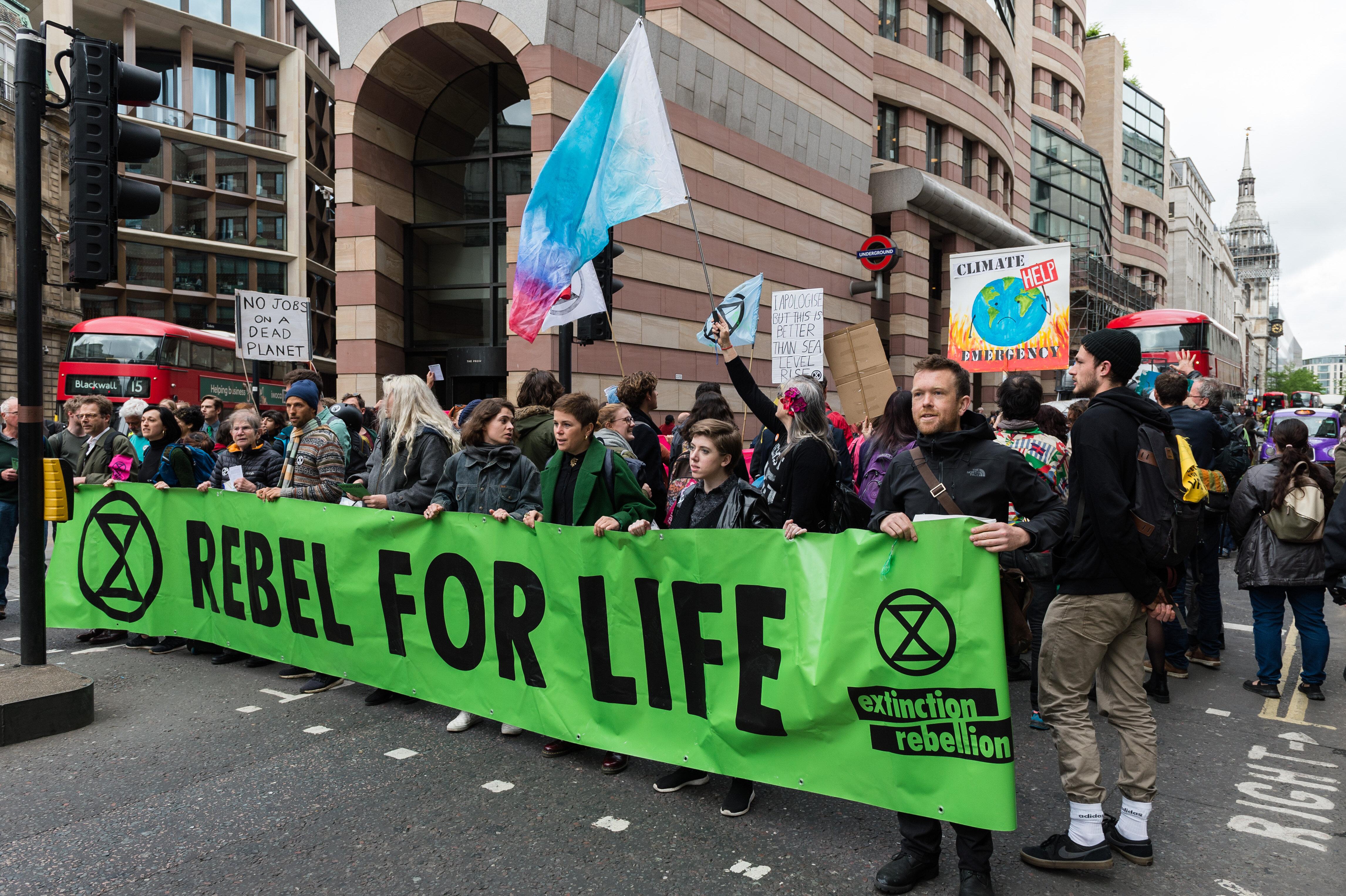 Λονδίνο: Αναστολή των κινητοποιήσεων τους ανακοίνωσαν οι Extinction
