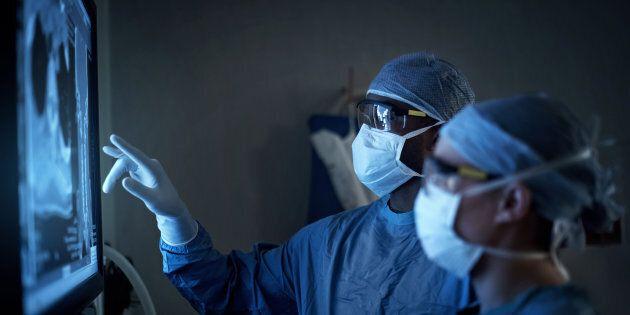 Un 38enne aveva conficcato nel cuore uno stuzzicadenti. La scoperta shock di un