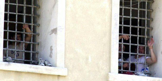 Rapporto Antigone: 44 in carcere per terrorismo internazionale, 365 sotto