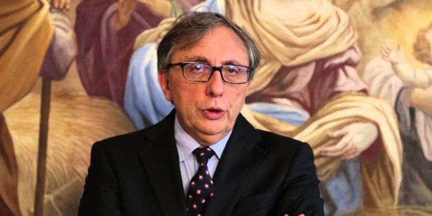 Il rettore Lucio D'Alessandro indagato per aver favorito il figlio dell'ex ministro