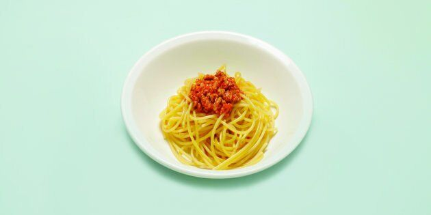 Quanto ragù sugli spaghetti? La dieta mindful ti insegna a contare le calorie della porzione