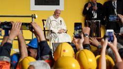 Papa Francesco nei cantieri dell'Ilva: