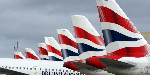 British Airways nel caos per problemi informatici. Cancellati tutti i voli su Londra,