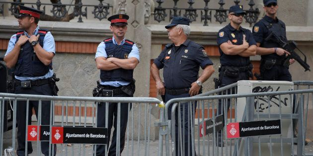 La polizia catalana contro la procura spagnola:
