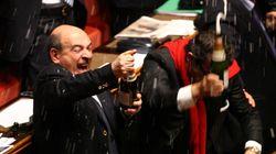 I parlamentari possono festeggiare: il vitalizio è già scattato (per evitarlo si dovrebbe votare ad agosto...) (di
