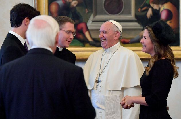 Non solo Trump: anche con Trudeau l'espressione del Papa è la