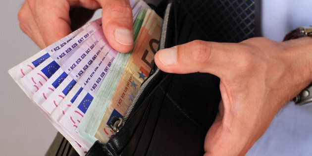 Finanziere truffato da un commerciante a Venezia per l'acquisto di una Bmw di 17mila
