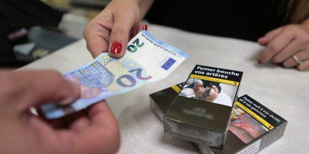 Un centesimo in più per ogni sigaretta 10 o 20 centesimi su ogni pacchetto: così si potrà finanziare...