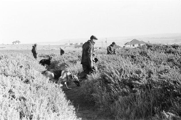 Novembre 1974: le ricerche del conte di Lucan nella campagna inglese (Photo by Daily Mirror/Mirrorpix/Mirrorpix...