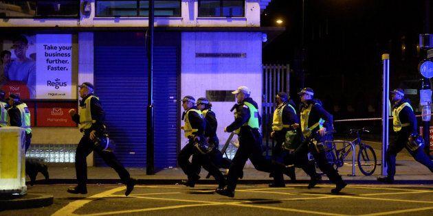 Londra ancora sotto attacco. Attentato al London Bridge e Borough Market, 7 morti e 30 feriti. Uccisi...