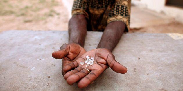 L'Africa dei diamanti, ricchezza e maledizione per la